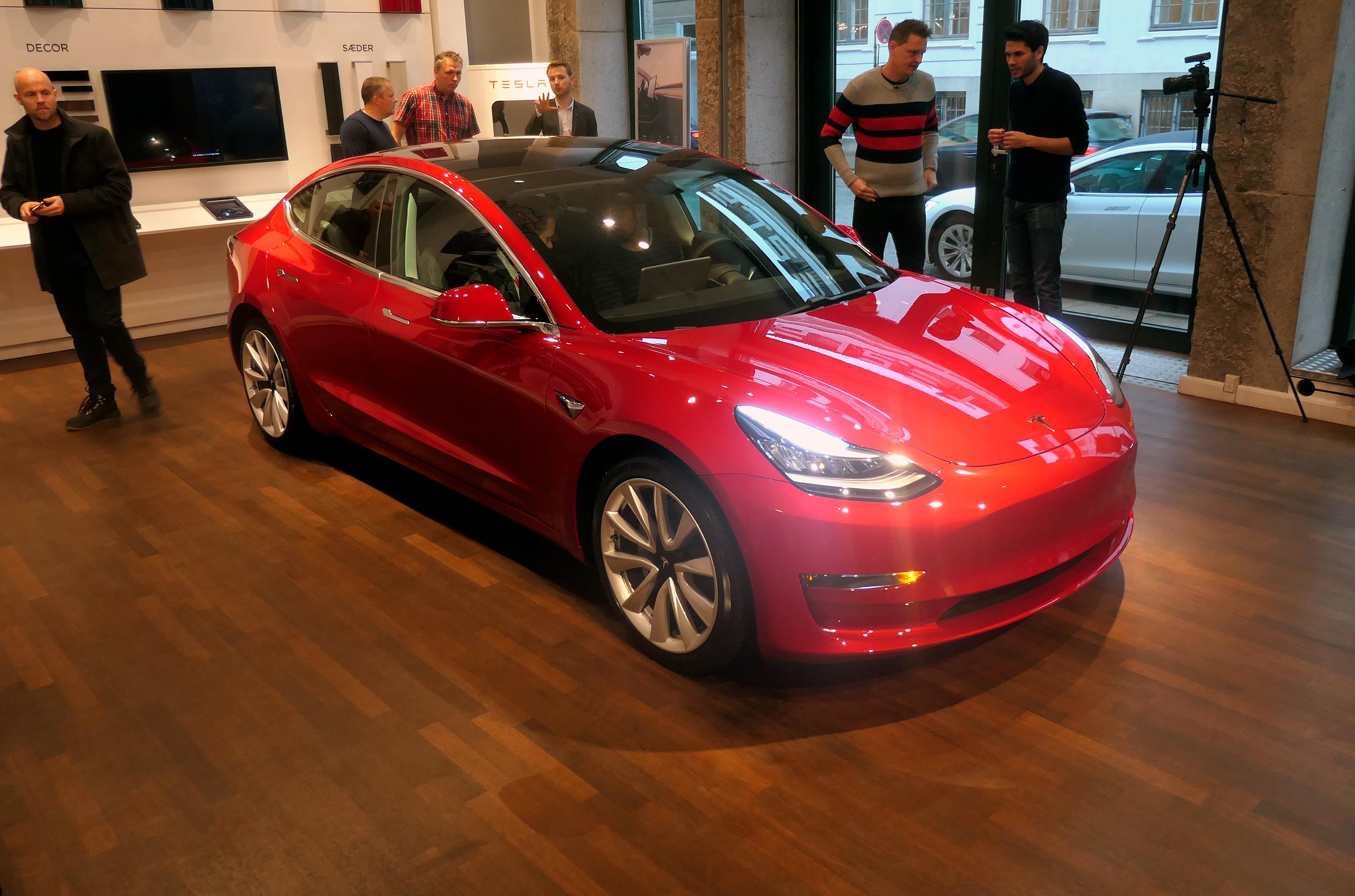 Omsider: Tesla 3 klar til danskere   FDM