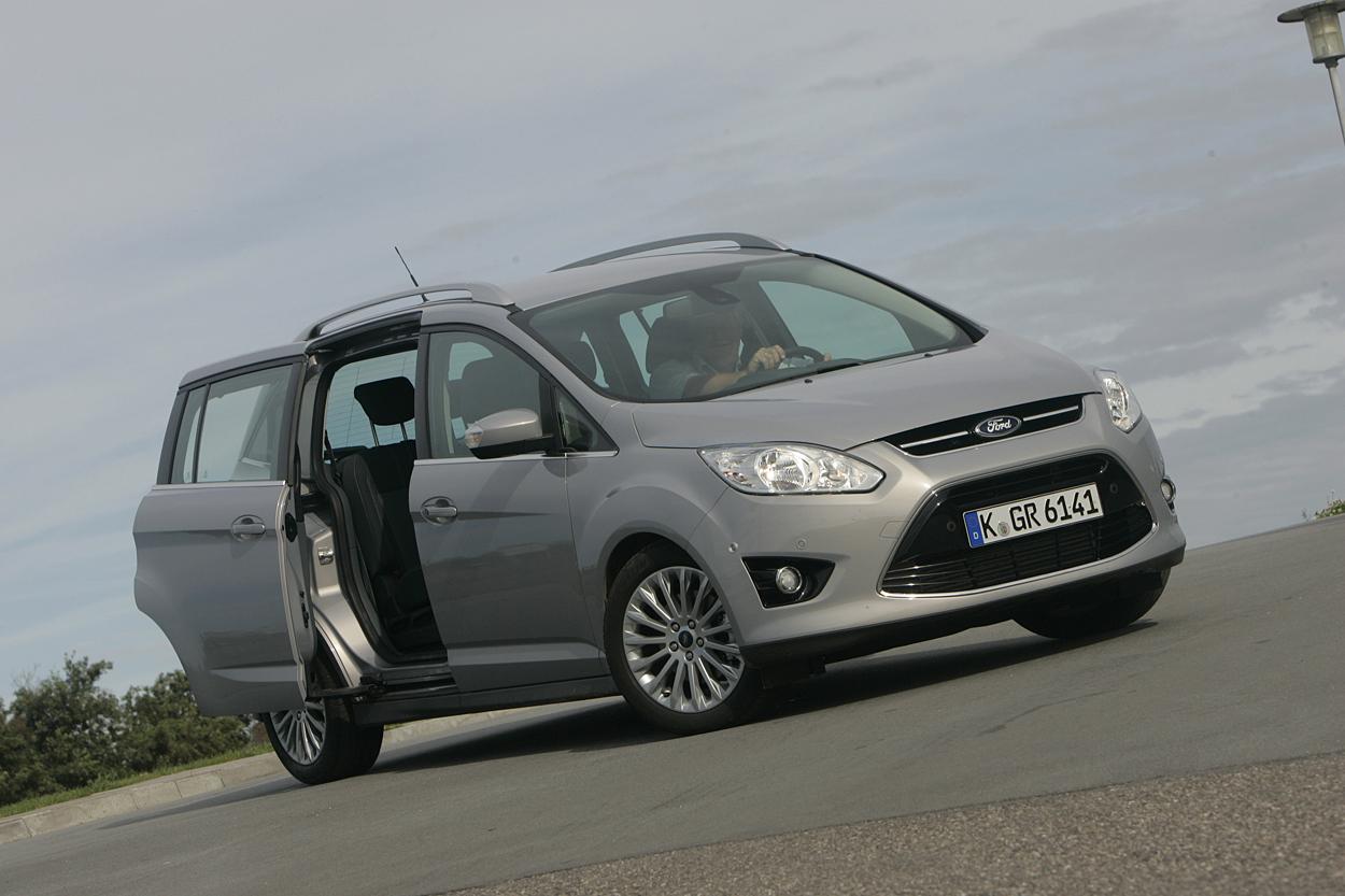 Ford C-Max - til store og små familier | FDM