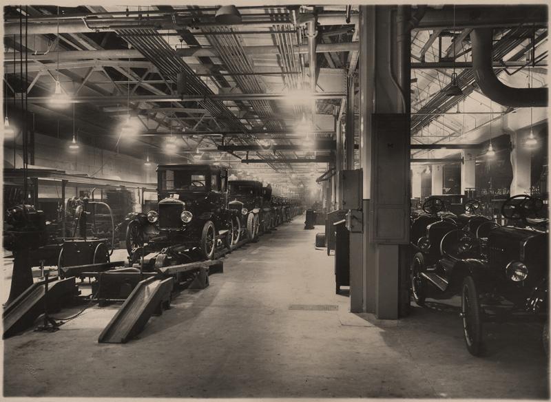 FDM har vokset betragteligt som organisation siden bilens barndom hvor foreningen blev stiftet.