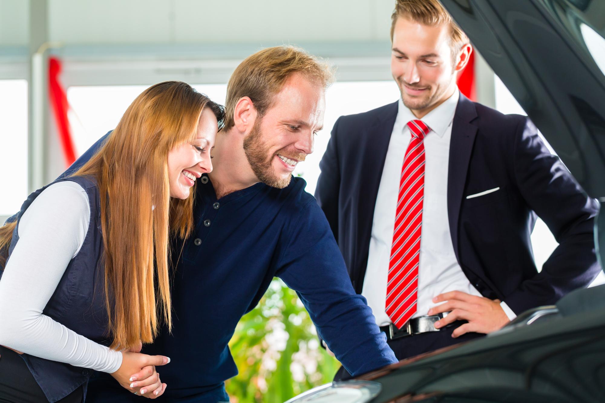 Brugt bil hos forhandler | FDM