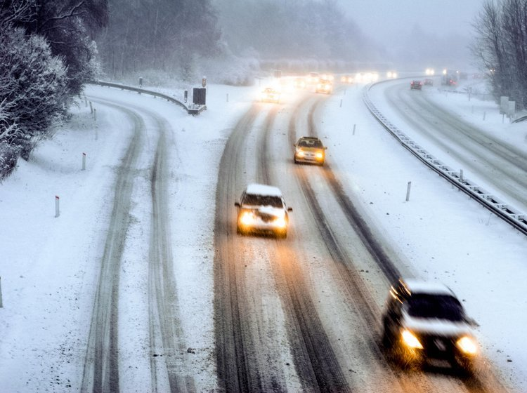 Se regler for vinterdæk i Danmark og andre lande her | FDM