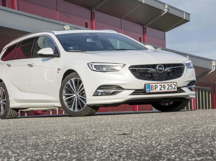 Opel Insignia forfra