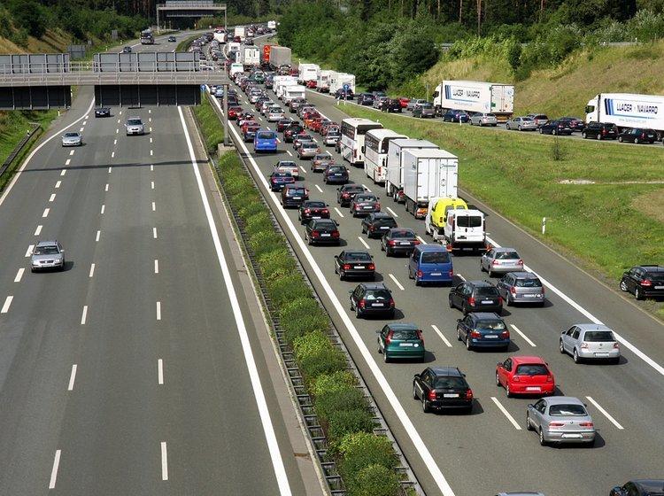 hvor hurtigt må man køre på motorvej